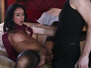 Virginia Tunnels With Big Faux Tits Having Amazing Lovemaking While Tied Up