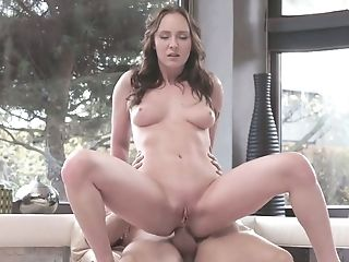 Sexy Big-boobed Stunner Molly Quinn Luvs Steamy Analfuck In The Morning
