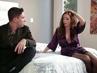 Talkative Dude Comes Under Spell Of Big Boobies Of Torrid Ariella Ferrera