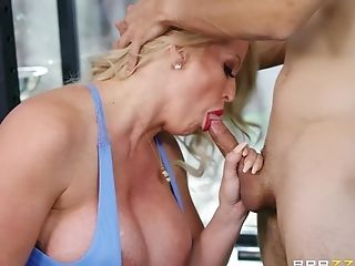 After Hard Training Alura Tnt Jenson Wants To Get Fuck With Her Trainer