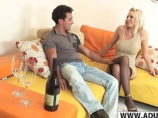 Chesty Mom Holly Sampson Gets Fucked Hot Youthfull Friend