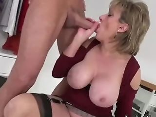 Uk Cougar Rails Fucking Machine And Deep-throats A Humungous Meatpipe