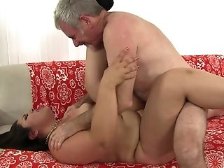 Chubby Latina Mummy Gia Starlet Pounded Hard And Drinks A Spunk Shot